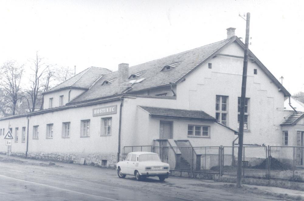 Sokolovna (historie)
